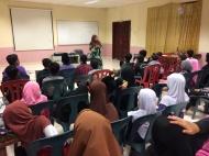 Kem Kepimpinan 2018 ; Taklimat oleh Cikgu Roslina bt Hassan (Guru Bimbingan)